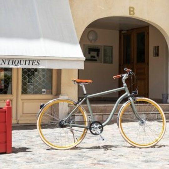 vélo courroie pneus pleins vue tertiaire